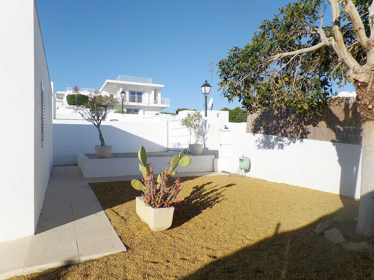 Detached 4 Bedroom Villa with Private Pool in Mojácar Playa